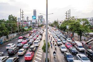 Dời đô hay phát triển thành phố vệ tinh