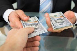 Bức xúc cán bộ thuế 'kiếm chuyện' trước xử phạt, sau mượn tiền