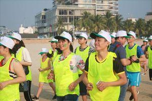 300 người chạy marathon mang thông điệp chống xâm hại tình dục trẻ em
