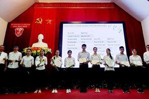Trao học bổng VietSeeds cho 20 tân sinh viên