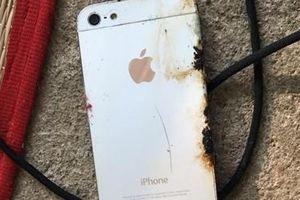 Nổ điện thoại lúc đang sạc pin khiến chủ nhân tử vong