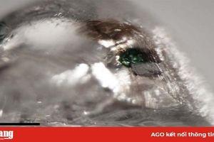 Phát hiện chất chưa từng thấy trên trái đất trong viên kim cương 12 mặt
