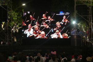 Hàng nghìn người dân Hà Nội thưởng thức hòa nhạc giao hưởng từ London