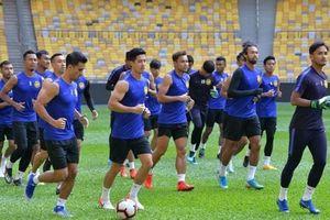 Chấn thương càn quét, Malaysia gấp rút tìm phương án dự phòng
