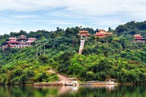 Bất động sản tuần qua: Hòa Bình muốn làm khu du lịch tâm linh 3.000 tỷ, TP. Hạ Long trở thành đô thị lớn nhất nước