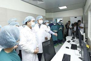 Chủ tịch Hà Nội cắt băng khánh thành phòng mổ Hybrid đầu tiên trên cả nước
