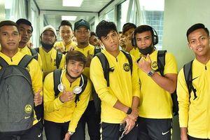 Đội tuyển Malaysia đặt chân tới Hà Nội, đem theo nhiều ngoại binh