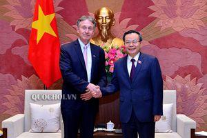 PHÓ CHỦ TỊCH QUỐC HỘI PHÙNG QUỐC HIỂN TIẾP CHỦ TỊCH HỘI ĐỒNG KINH DOANH CHÂU ÂU – ASEAN