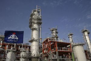 Tập đoàn CNPC (Trung Quốc) rút khỏi dự án khí đốt South Pars của Iran