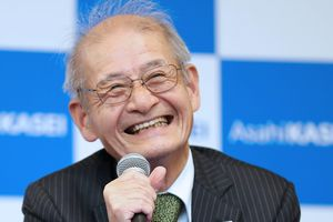 Nhật Bản góp mặt trong giải Nobel Hóa học 2019 nhờ công trình nghiên cứu pin lithium-ion