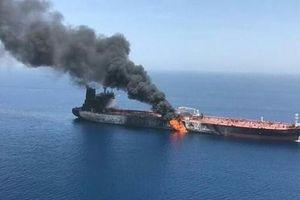'Bàn tay bí ẩn' nào gây ra ra vụ tàu dầu Iran bị tấn công liên tiếp bằng tên lửa?
