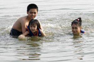 Vận động phụ huynh cho trẻ học bơi để phòng, chống đuối nước