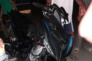 Hai xe máy va chạm, 4 người trong gia đình bị thương nghiêm trọng