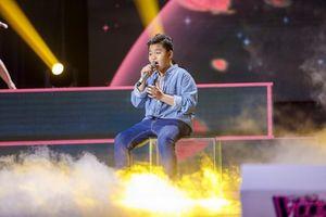 Giọng hát Việt nhí: Hương Giang bật khóc vì học trò Chấn Quốc