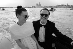 Chuyện tình đẹp đôi của 'Joker' Joaquin Phoenix và tiểu thư giàu có