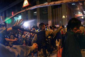 Toàn cảnh biểu tình dữ dội ở Hong Kong tuần thứ 19