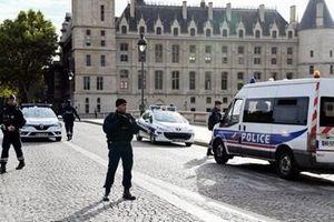 Ai được quyền tiếp cận các hồ sơ thuộc diện bí mật quốc phòng ở Pháp?