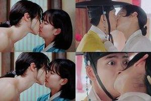 'Tiểu sử chàng Nok Du': Jang Dong Yoon hôn cả Kang Tae Oh lẫn Kim So Hyun, chuyện tình đam mỹ gây 'rúng động'?