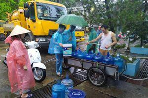 Sau sự cố nhiễm dầu thải, nước sông Đà vẫn an toàn?