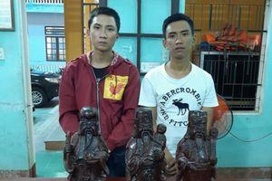 Hai thanh niên trộm cả tượng Phúc Lộc Thọ, bán lấy tiền chơi game