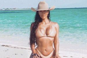 Kim Kardashian dẫn đầu trend diện bikini trông như khỏa thân
