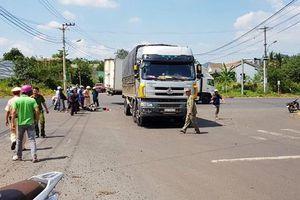Đắk Lắk: Xe máy tông xe tải, 2 học sinh thương vong