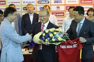 Thầy Park 'gánh' chỉ tiêu ngất ngưởng; Văn Hậu góp công trong chiến thắng của U21 Heerenveen
