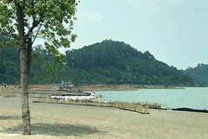 Sân golf lấp gần 7 ha hồ thủy lợi