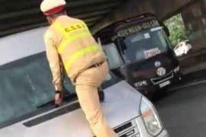 Vụ CSGT nhảy lên đầu xe khách: Tài xế bị phạt 2,3 triệu đồng