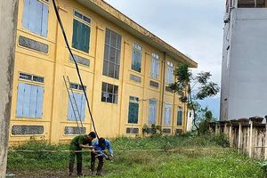 Hà Nội, học sinh lớp 2 tử vong trong giờ ra chơi vì điện giật