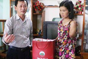 Bí thư Gia Lai thăm cô giáo bị tai nạn giao thông trên đường tới trường
