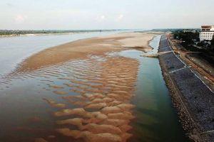 Sông Mê Công chảy qua Thái-lan tiếp tục khô hạn