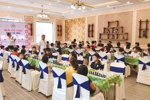 Gần 80 kỳ thủ tham dự Giải cờ vua Nhân – Trí – Dũng lần II