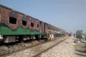 Cháy tàu hỏa tại Pakistan: Số nạn nhân thiệt mạng tiếp tục tăng
