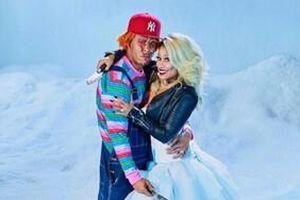 Nicki Minaj tung ảnh hóa trang Halloween cùng chồng nhưng điều khiến fan chú ý lại là đôi nhẫn cưới