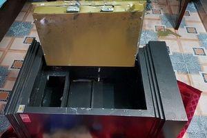 Chủ nhà tá hỏa phát hiện két sắt bị đục phá, mất khoảng nửa tỷ đồng