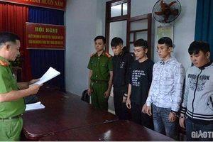 Tạm giam 4 tháng nhóm sinh viên lập 'băng nhóm' đi cướp tài sản