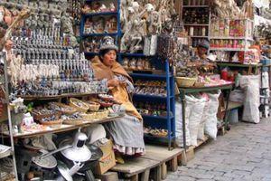 8 khu chợ bán đồ kỳ dị nhất thế giới