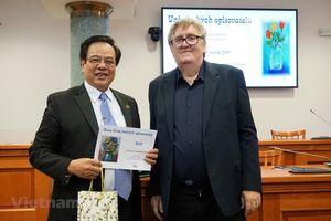 Đại từ điển Czech-Việt được trao Giải thưởng Văn học Czech 2019