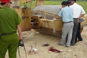 Xe lu cán chết người đi đường ở Hà Nội