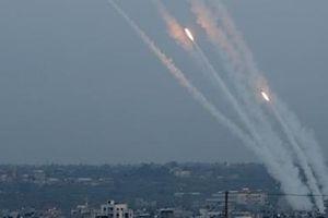 Israel hứng 'bão' tên lửa sau vụ không kích thủ lĩnh Jihad