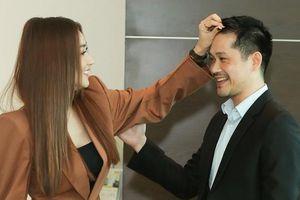 Ngân Khánh ân cần chăm sóc chồng đại gia