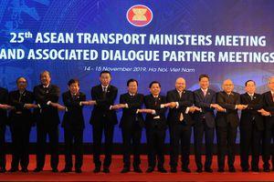 Thúc đẩy cộng đồng Kinh tế ASEAN 'không rào cản, không biên giới'
