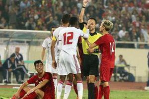 Phủ nhận ý kiến của HLV Marwijk, trọng tài UAE cho rằng thẻ đỏ là chính xác