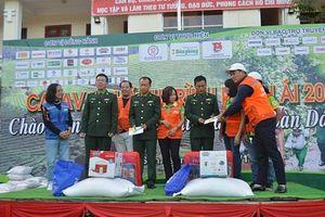 Doanh nghiệp thủ đô chia sẻ khó khăn với nhân dân và chiến sĩ cửa khẩu Lóng Sập