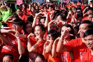 Hoa hậu Tiểu Vy đồng diễn 'Nhảy! vì sự tử tế' cùng giới trẻ
