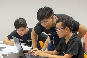 Lần đầu tiên cộng đồng công nghệ miền Trung tranh tài tại 'Da Nang Code War 2019'