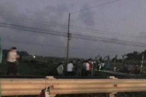 Thầy giáo bị tàu hỏa tông tử vong khi băng qua đường ngang dân sinh