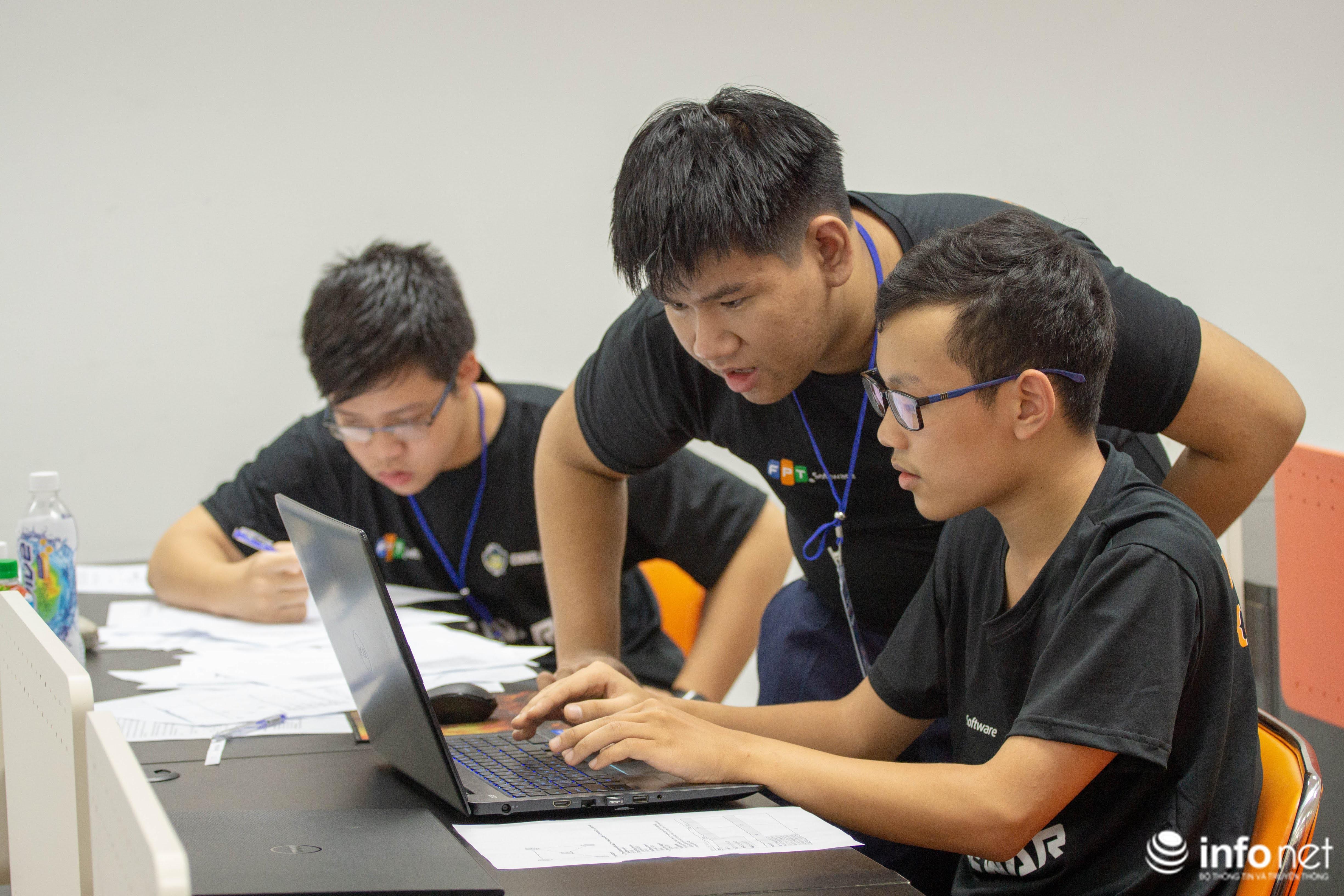 Lần đầu tiên lập trình viên miền Trung so tài tại Da Nang Code War 2019