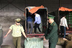 Bắt giữ nhiều xe ba bánh giả danh xe thương binh và vận chuyển hàng nghi là nhập lậu